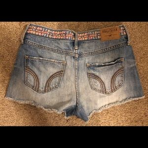 Hollister Tribal Jean shorts!